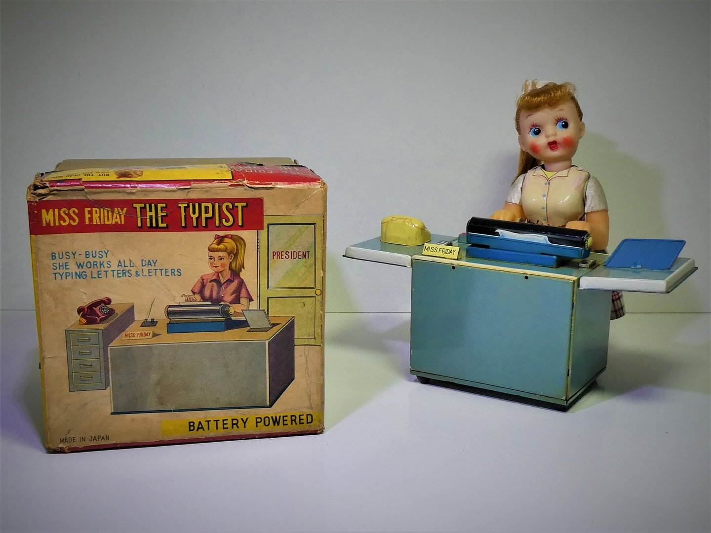 "TN / Nomura (Japan) # 1950's ""Miss Friday the Typist"" batterij automaat ."